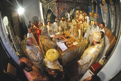Архиерејска богослужба на манастирската слава