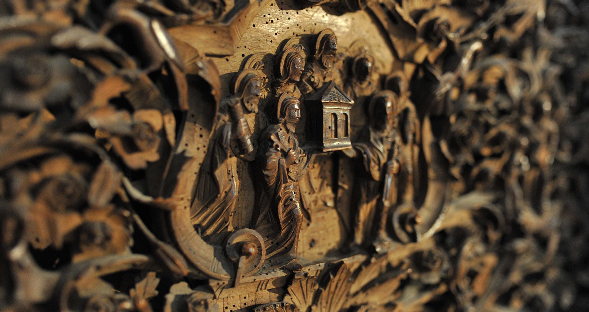 Светите Петар и Павле со Црквата во рацете